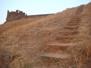 Steps from the lighthouse lead to the ancient Korlai fort